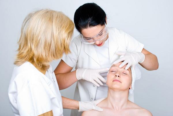 Опытный врач-косметолог посоветует, какой препарат будет эффективнее в каждом конкретном случае